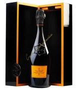 Champagne Veuve Clicquot La Grande Dame millésime 2004 75cl - coffret couture